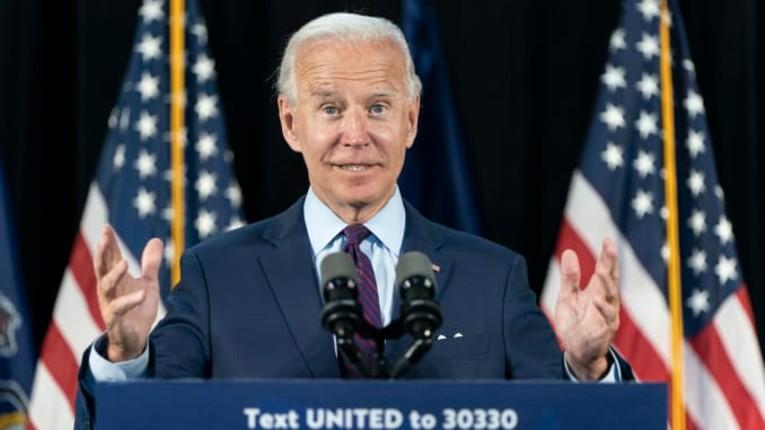 Deux enquêteurs, dont un ex-FBI, découvrent une fraude massive de 700 000 bulletins de vote en faveur de Biden. Pas un mot dans les médias français…