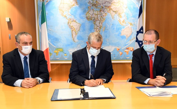 Israël et l'Italie resserrent les liens et concluent un accord sur la vente d'armes et d'équipements militaires