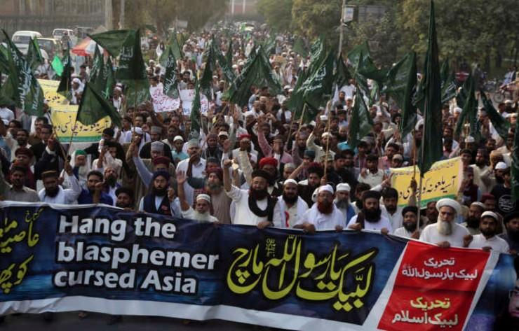 """Pakistan : un chrétien condamné à la peine capitale pour avoir """"blasphémé"""" par SMS… 80 personnes emprisonnées pour blasphème"""