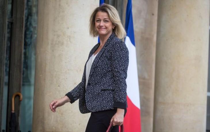 Nouveaux délires écolos: Barbara Pompili veut interdire les pub pour les voitures, les fast-food, le nutella, les voyages en Guadeloupe et Martinique, etc…