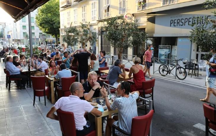 Fermeture des bars à 22h : à Nice, les restaurateurs appellent «à la désobéissance totale. On ne fermera pas à 22 heures !»