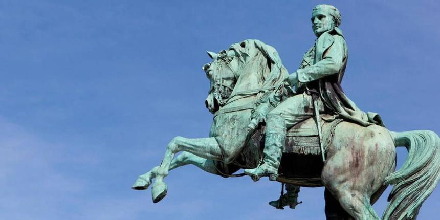 """Rouen: Face aux socialistes qui veulent déboulonner la statue de Napoléon, la résistance des habitants enfle """"Ce monument a résisté à deux guerres mondiales, il résistera au socialisme"""""""