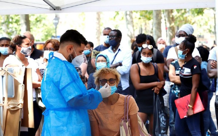 Professeurs, médecins, chercheurs signent une tribune «Covid-19: nous ne voulons plus être gouvernés par la peur» instaurée par le gouvernement