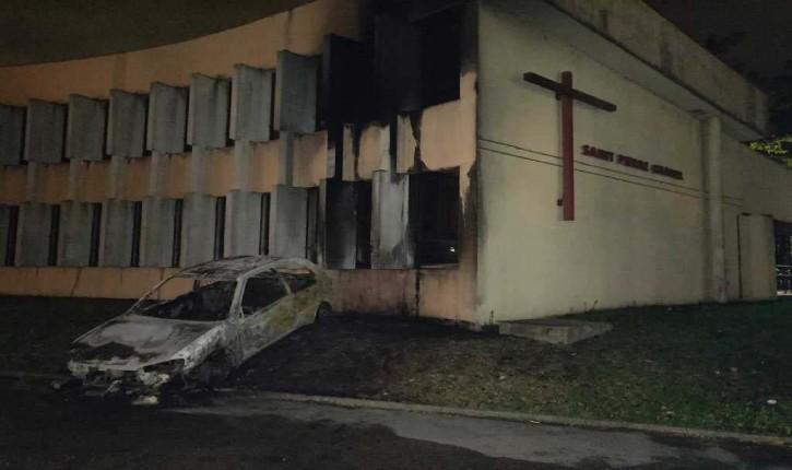 Rillieux-la-Pape : tentative d'incendie à l'aide d'une voiture projetée contre le bâtiment d'une église lors d'émeutes