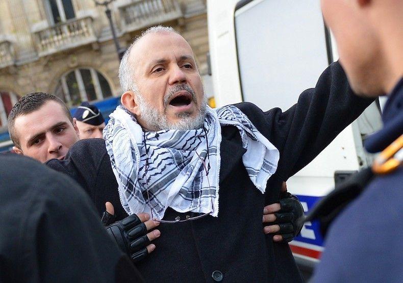 Qui est l'idéologue islamiste, Abdelhakim Sefrioui, derrière le meurtre de Samuel Paty?