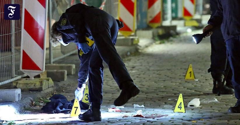 Attentat islamiste à Dresde: un migrant syrien poignarde à mort un Allemand de 53 ans et en blesse un autre, l'assaillant islamiste venait de sortir de prison. Berlin dénonce la «menace terroriste islamiste permanente»
