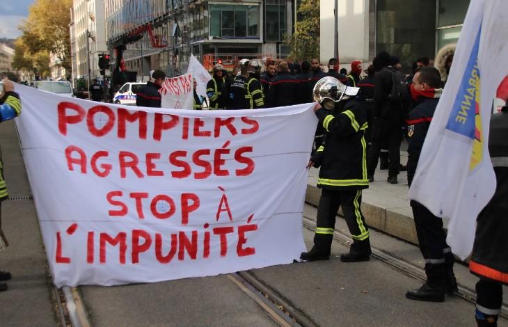 pompier-manifestation-agression a Lyon