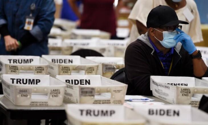 Fraude électorale: Une employée électorale en Géorgie déclare sous serment avoir vu des lots de bulletins de vote pratiquement neufs à 98% en faveur de Joe Biden