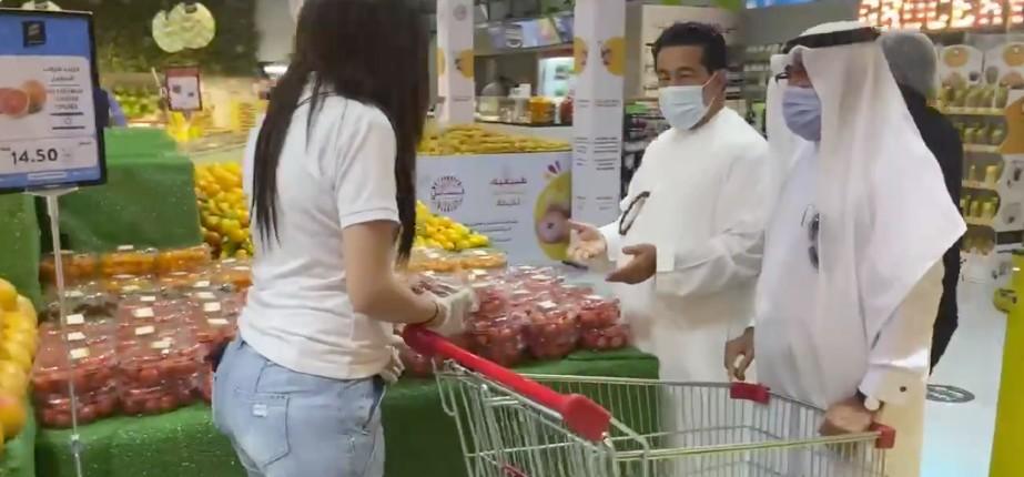 Les Emirats Arabes Unis vendent désormais les produits israéliens et les ont étiquetés pour que les gens en achètent davantage, à l'inverse de ce que souhaitent les boycotteurs de BDS (Vidéo)