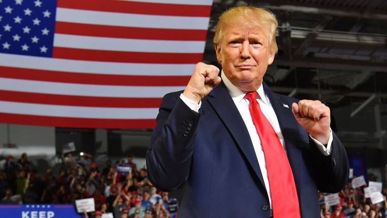 Trump lance le «Bureau de l'ancien président» immédiatement plus populaire sur les réseaux sociaux que Joe Biden