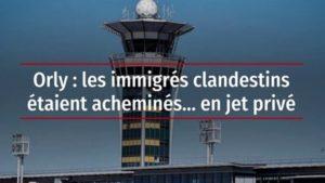 des migrants arrivent en jet privé