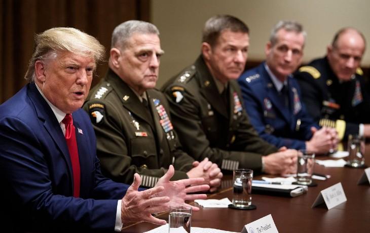 Malgré les délires des démocrates, le Pentagone confirme «M. Trump est toujours le commandant en chef, l'armée est tenue de suivre ses ordres légitimes»