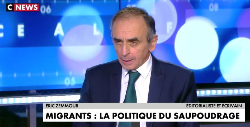 """Éric Zemmour : """"Au lieu de répartir les migrants par train et bus en France, il faut les répartir par avion chez eux"""" (Vidéo)"""
