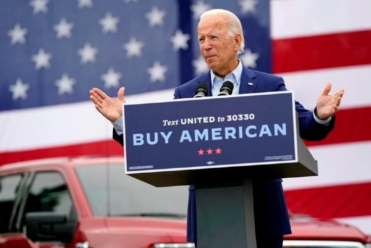 """Après l'avoir critiqué sur sa politique protectionniste, Joe Biden, président contesté, reprend à son compte le """"Made in America"""" cher à Donald Trump en donnant la priorité aux entreprises américaines"""