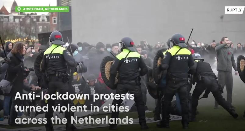 manifestation anti-couvre feu en Hollande