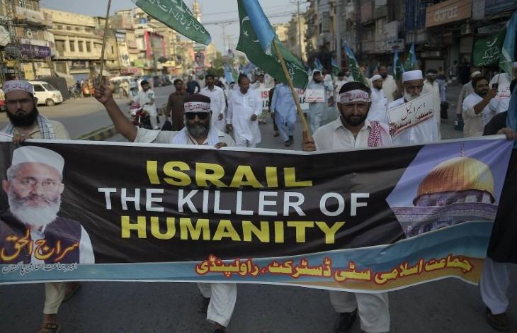 «Mort à Israël», des dizaines de milliers de pakistanais manifestent contre la normalisation des relations avec Israël (Vidéo)