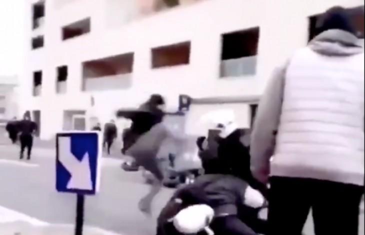 """""""Nique-lui sa race"""" : les images choc de l'agression de policiers par des racailles en Seine-Saint-Denis (Vidéo)"""