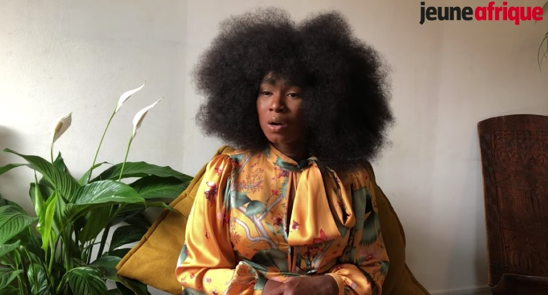 Assa Traoré crache sa haine de la France: « les Noirs et les Arabes ne sont pas en sécurité en France » (Vidéo)
