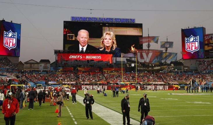 Etats Unis: le président contesté Joe Biden hué par la foule lors du Super Bowl (Vidéo)
