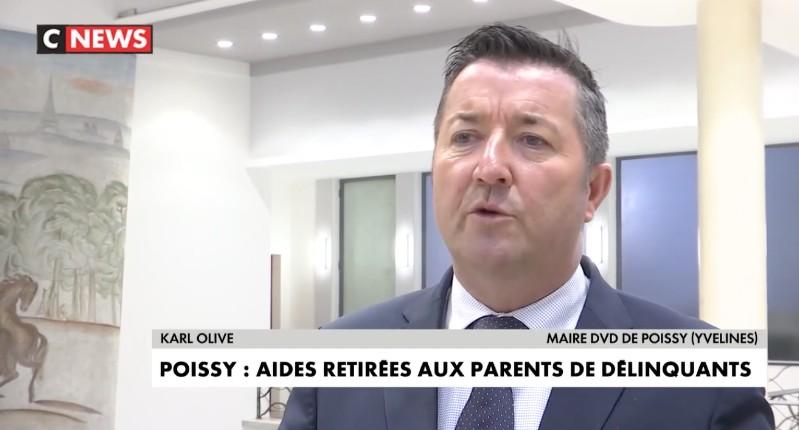 Le maire de Poissy coupe les allocations pour les familles de délinquants (Vidéo)