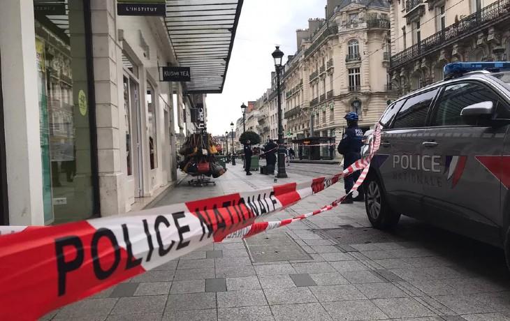 Urgent: Une attaque au couteau fait au moins deux blessés dans le centre d'Orléans
