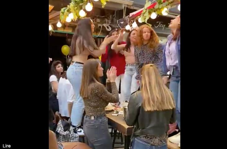 En Israël, la vie a repris son cours: les bars et restaurants sont pleins, la jeunesse chante et danse (Vidéo)