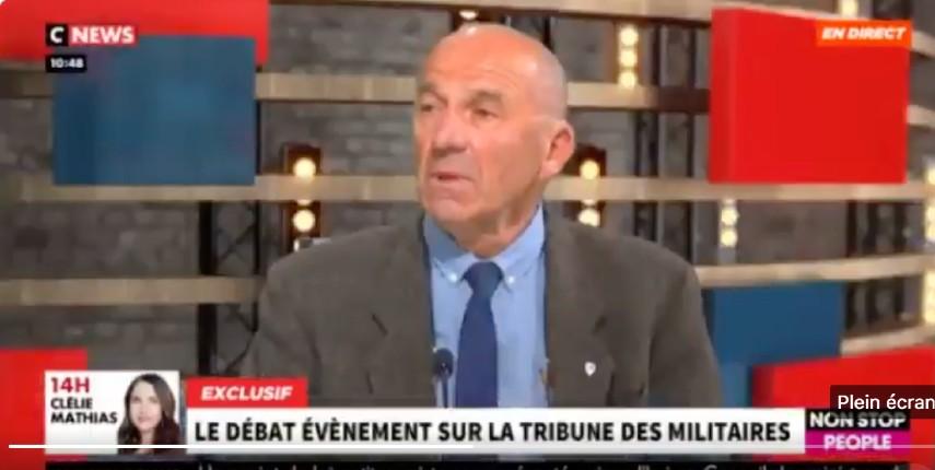 Pour le Général André Coustou la tribune est trop tendre, il estime que «Macron est en train de détruire la France. Il est indigne de diriger le pays» (Vidéo)