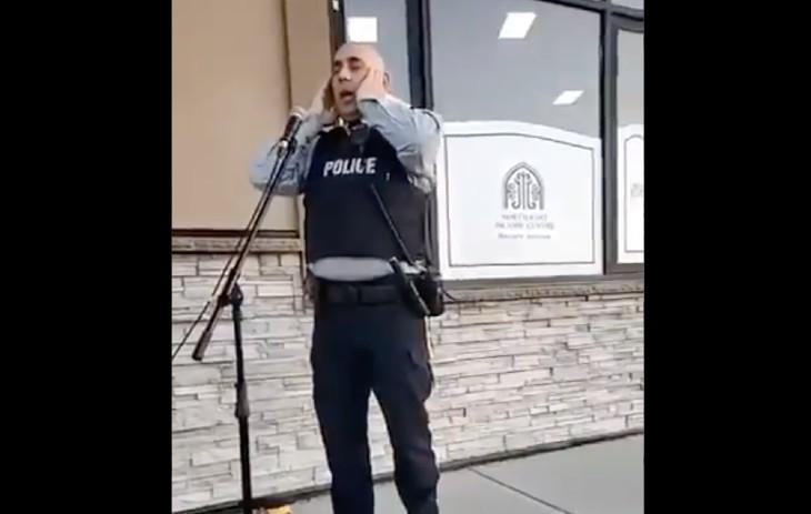 Ramadan : un officier de la Gendarmerie royale du Canada fait l'appel à la prière avec l'approbation de sa hiérarchie (Vidéo)
