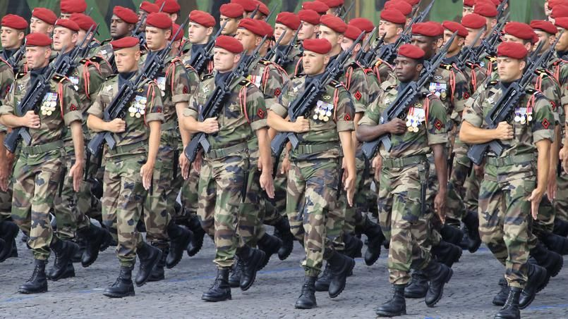 Tribune des généraux: 73% des Français pensent comme les généraux que la France se délite, un désaveu pour Macron et la gauche. Me Gilles-William Goldnadel défendra plusieurs signataires militaires de la tribune
