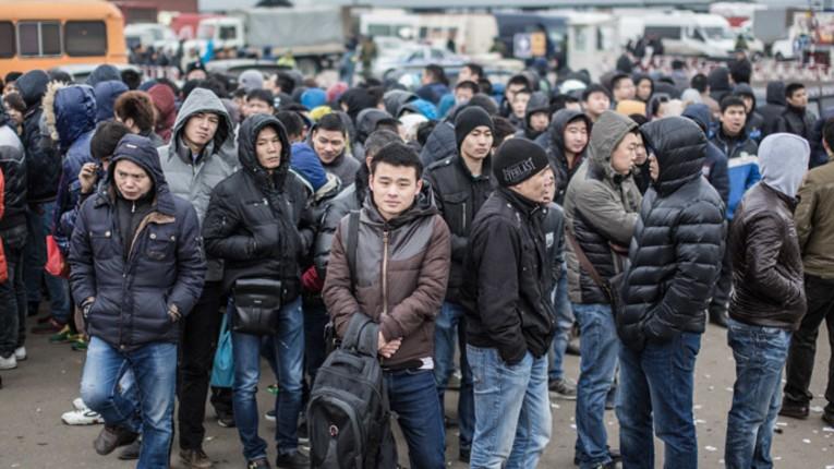 Le gouvernement russe ordonne à un million de migrants vivant illégalement en Russie de quitter le pays avant le 15 juin