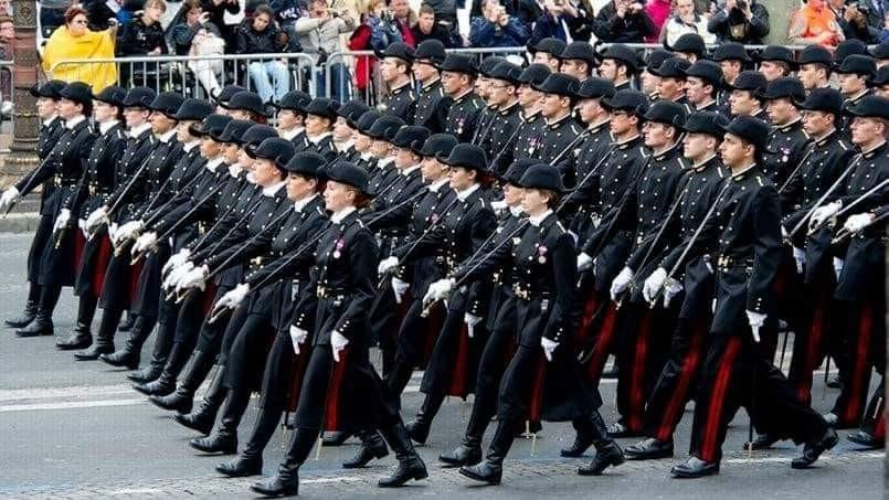 La tribune des généraux patriotes prend encore de l'ampleur: 53 généraux et 23 000 militaires l'ont signée, dont 1240 polytechniciens semble-t-il. « Tout le monde partage ce constat de délitement de la France »