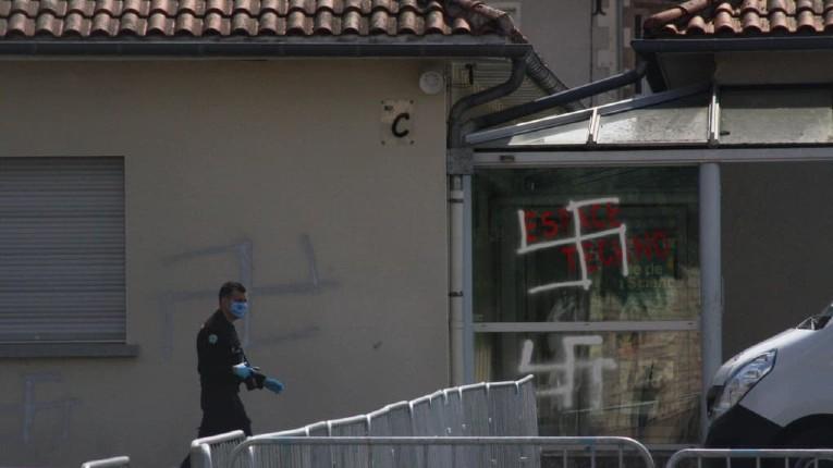 Des tags antisémites découverts dans un collège de la Vienne, son principal menacé de mort