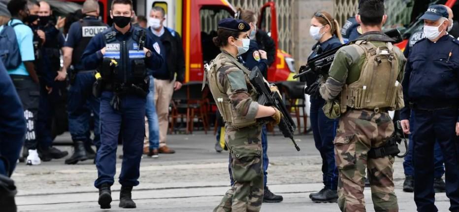 Nantes : un clandestin algérien attaque des passants au hasard avec un tournevis, 6 blessés