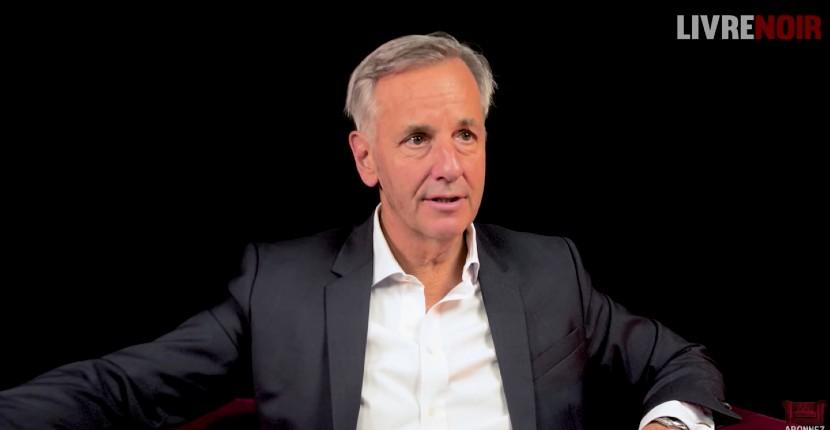 """Bernard de La Villardière : """"Il y a des pays beaucoup plus racistes en Afrique que la France. Le racisme est une des choses les mieux partagées malheureusement en Afrique…"""" (Vidéo)"""