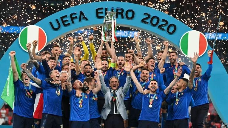 Les médias de gauche en colère parce que l'équipe d'Italie, vainqueur de l'Euro, compte trop d'Italiens de souche blancs