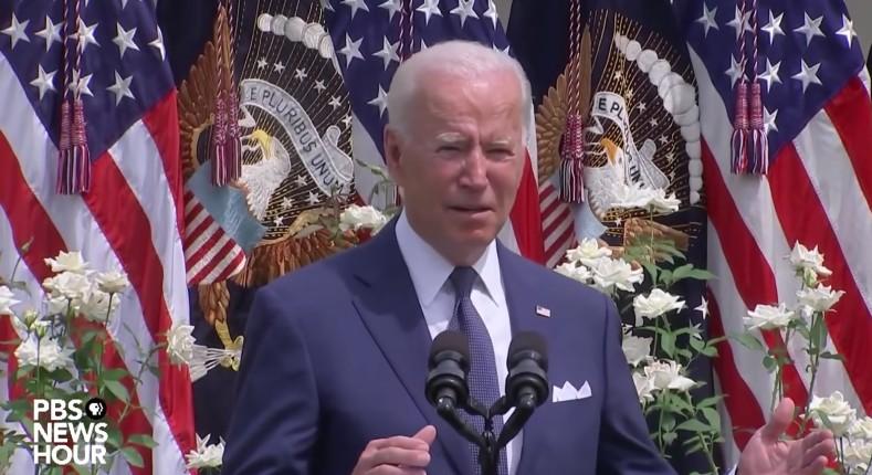 « Maman, où est maman ? », demande Joe Biden en plein milieu d'un discours (Vidéo)