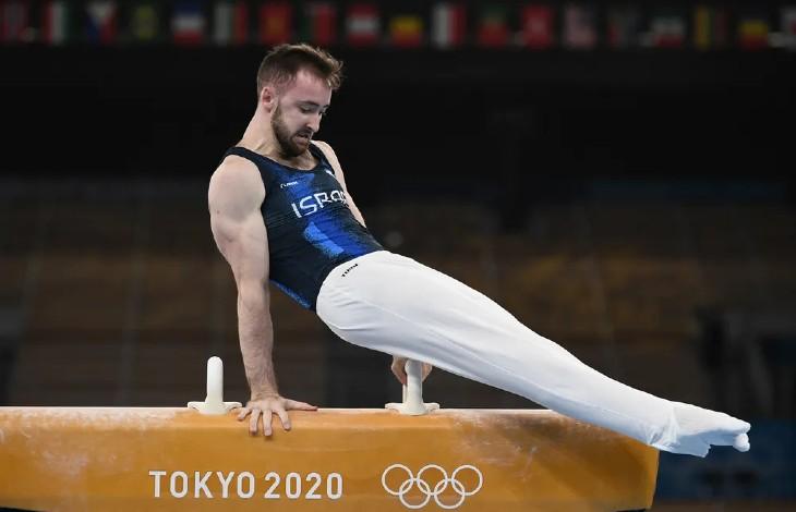 JO-2020: l'Israélien Artem Dolgopyat remporte la médaille d'or en gymnastique au sol. L'équipe mixte de judo israélienne gagne la médaille de bronze