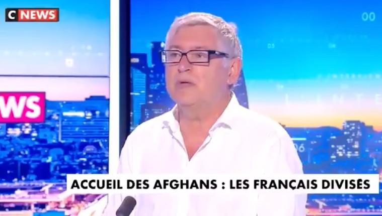 Michel Onfray : «il faut arrêter avec la mythologie BHL. Le commandant Massoud voulait instaurer la charia, c'est quelqu'un qui défendait l'islam, c'était pas un gentil garçon» (Vidéo)