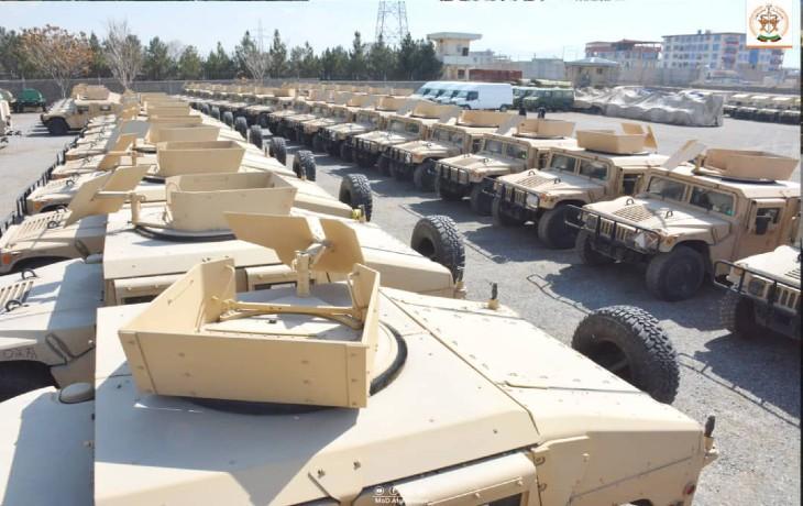 Afghanistan, selon les révélations de Reuters, ce qu'a fait Biden est encore bien pire : Plus de 2 000 véhicules blindés laissés aux talibans, 40 hélicoptères et avions, dont des UH-60 Black Hawk, des hélicoptères d'attaque et des drones militaires ScanEagle