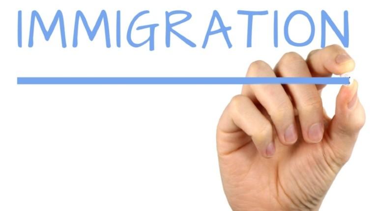 Les propositions des candidats à la présidentielle sur l'immigration : Macron 2/20, Bertrand 4/20, Pécresse 6/20, Zemmour 19/20