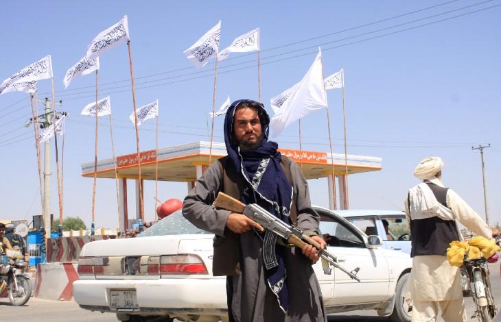 En quelques mois, par son incompétence Biden aura livré l'Afghanistan aux pires islamistes Talibans… pendant ce temps il est en vacances