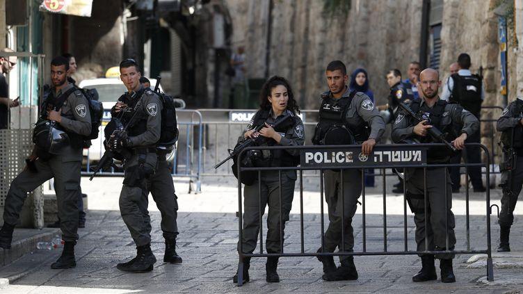 Attaque au couteau à Jérusalem: Deux civils israéliens blessés, le terroriste islamiste neutralisé