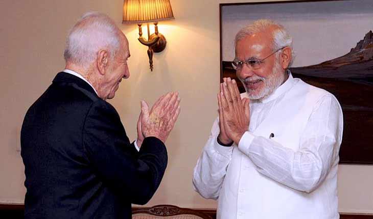 Former-President-Shimon-Peres-with-Indian-Prime-Minister-Narendra-Modi