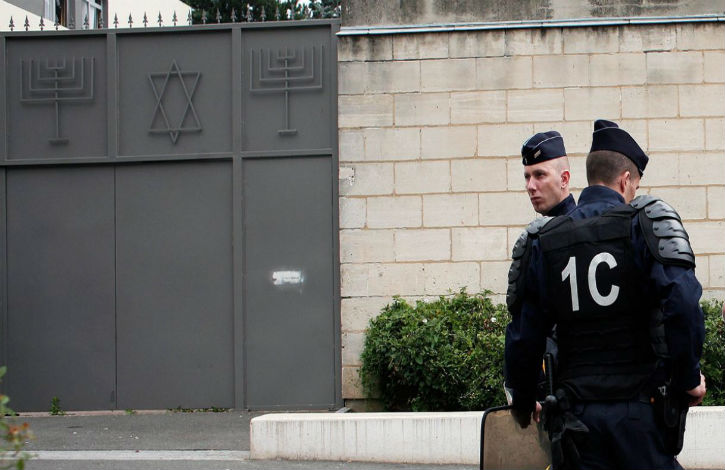 Anti-Semitism : Jewish Man Attacked in France, Called 'Dirty Jew'