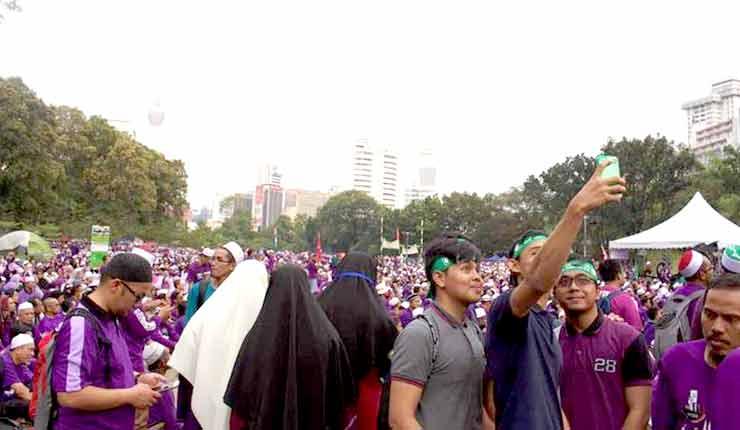 Malaysia: Kuala Lumpur mass rally calls for stricter Islamic law