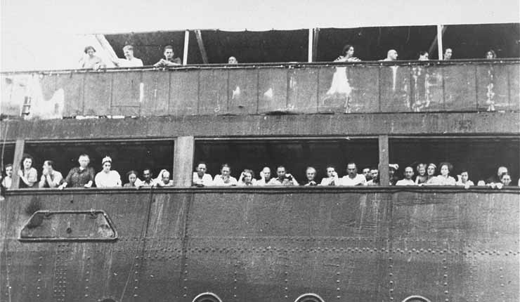 No, Muslim Refugees Are Not Jewish WWII Refugees. Here Are 5 Reasons Why