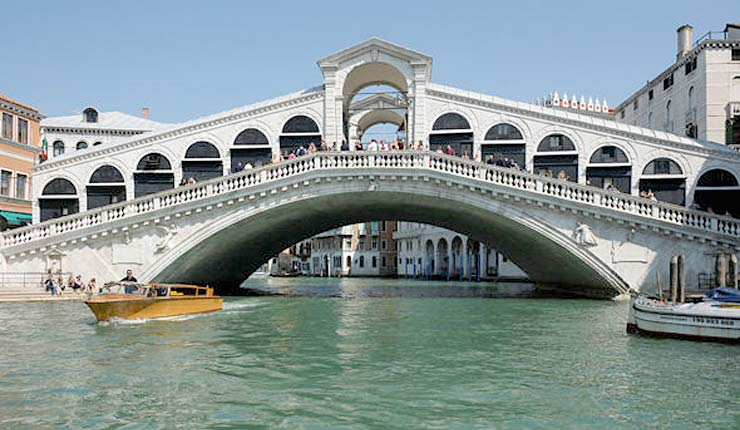 VENICE TERROR: Trio arrested over plot to bomb famous Rialto Bridge